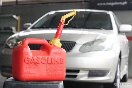 Як правильно відкачати бензин з автомобіля