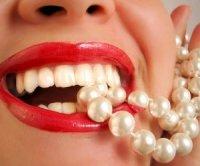 Названий кращий напій для відбілювання зубів