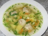 Як приготувати суп з рибними фрикадельками?